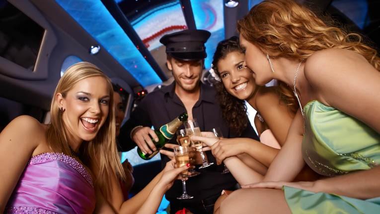 richcity-limo-bachelorette-party-2